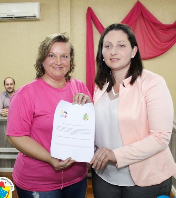 Presidente da Associação Adilaine Pellegrini