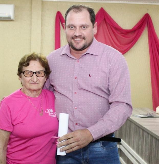 Vereador Rodrigo Baldissera, com Associada Terezinha Zanon