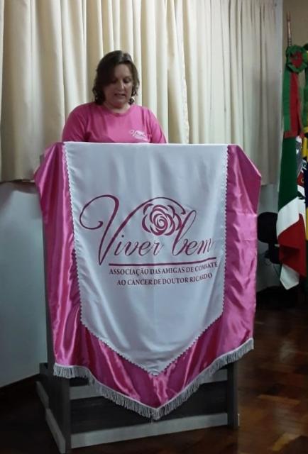 Presidente da Associação Adilaine Bampi Pellegrini