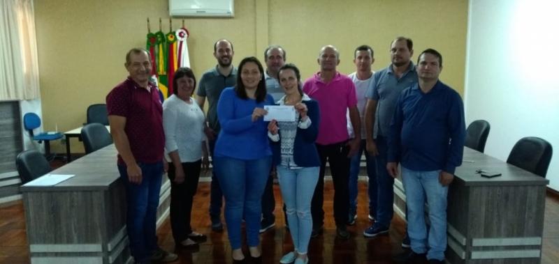 Doação a Escola Estadual de Ensino Médio Doutor Ricardo-RS.